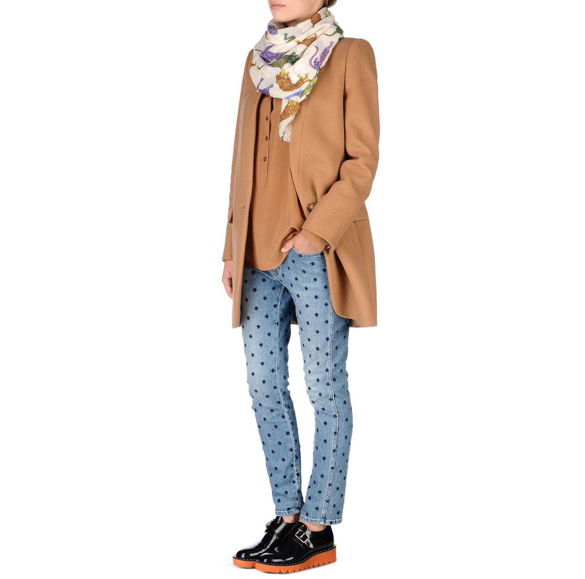 "Will Sweeney / Product & Licensing / Stella McCartney Scarf<span class=""slide_numbers""><span class=""slide_number"">3</span>/3</span>"