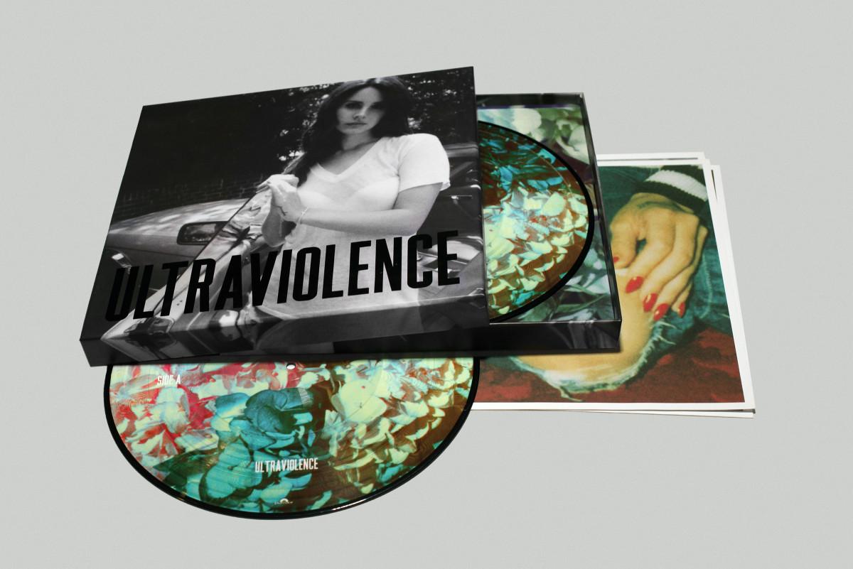 "Music / Lana Del Rey<span class=""slide_numbers""><span class=""slide_number"">2</span>/5</span>"